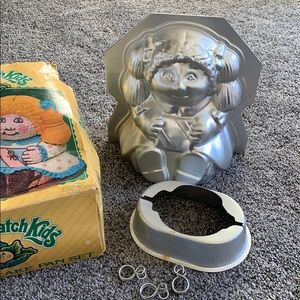 Vintage Cabbage Patch Kids Stand-Up Cake Pan Set